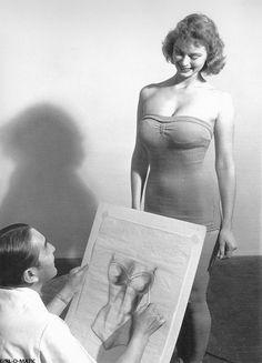 "5'10"" beauty, Irish McCalla, posing for famed Peruvian pinup artist Alberto Vargas"