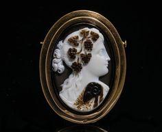 """Camées / Néo-classique / Camée en onyx du début du 19e siècle, """"Ariadne"""", monté…"""