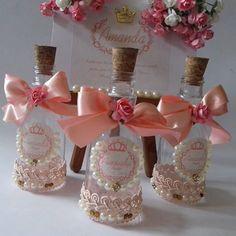 E para a Chegada de Amanda  Mimos Lindos  para uma princesa   Mini Garrafinhas  #Maternidade #Baby  #Mimos #personalizando  #ateliealbuquerque  #Amandachegou