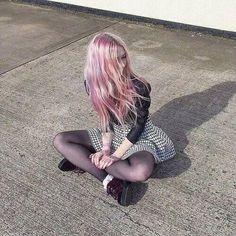 Punk hair and soft grunge. Soft Grunge Hair, Pastel Grunge, Pastel Punk, Grunge Outfits, Grunge Fashion, Neo Grunge, Hair Blog, Alternative Fashion, Pink Hair