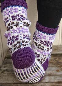 Det blir vel nesten kjedelig, men enda et selvkomponert sokkepar... Det blir ikke det siste for det er moro å komponere sokker. Dessu...