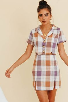 Launch Set // Check Cute outfit for spring and a great for work to evening casual outfit! 70s Inspired Fashion, 70s Fashion, Party Fashion, Fashion Week, Fashion Looks, Fashion Tips, Fashion Trends, Womens Fashion, Modern 50s Fashion