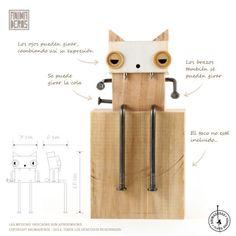 Tiene los ojos giratorios para que al moverlos cambie su expresión. Además se pueden mover sus brazos y su cola. MATERIALES: maderas de reforestación + clav...