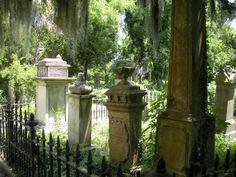 Charleston, SC    Graveyard at the Unitarian Church
