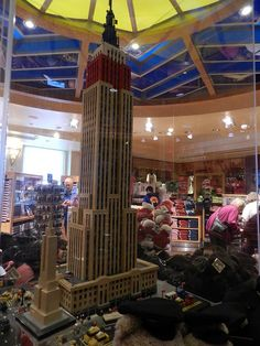 LEGO Empire State Building at... the Empire State Building! #Lego #NYC