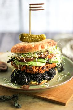 Black Bean Dairy Free Veggie Burgers. #dairyfree #veggieburger #progressivemedicalcenter