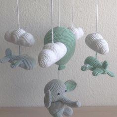 Crochet Baby Mobiles, Crochet Baby Toys, Diy Crafts Crochet, Crochet Projects, Baby Barn, Nursery Accessories, Crochet Elephant, Baby Room Decor, Baby Design