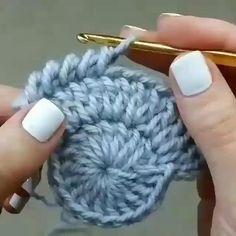 Crochet Slipper Pattern, Crochet Slippers, Crochet Motif, Crochet Doilies, Knit Crochet, Crochet Twist, Crochet Baby Beanie, Crochet Leaves, Simple Crochet