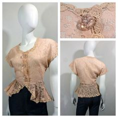 Vintage 1940s Peplum Blouse in floral Rose-Pink Lace with Dolman sleeves