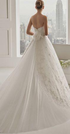 Rosa Clara 2015 Bridal Collection - Belle The Magazine Princess Wedding Dresses, Dream Wedding Dresses, Bridal Dresses, Wedding Gowns, Wedding Blog, Lace Wedding, Elegant Wedding, Wedding Ideas, Sophisticated Bride