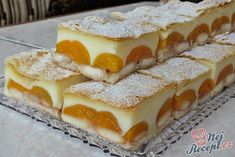 Delicious pudding cake with puff pastry Top-Rezepte.de - A simple cake to fall in love with: puff pastry, pudding, ladyfingers and fruit. Only two packets o - Pudding Desserts, Pudding Cake, Easy Desserts, Puff Pastry Recipes, Cookie Recipes, Dessert Recipes, Soft Gingerbread Cookies, Cheesecake, Czech Recipes