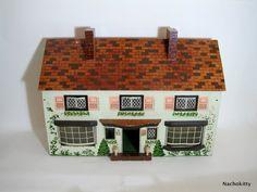 Vintage 1930s dollhouse