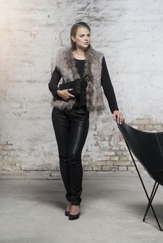 Anna in Natural Grey