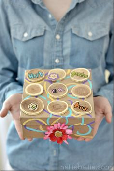 Give an herb garden in a fabulous box! A great gift idea from NellieBellie #garden #herbs #gift