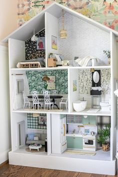 Barbie House Furniture, Tiny Furniture, Ikea Dollhouse, Dollhouse Furniture, Dollhouse Ideas, Diy Cardboard Furniture, Doll House Plans, Barbie Dream House, Cool Diy Projects