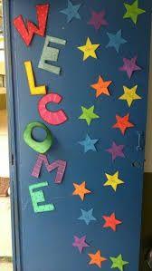 Resultado de imagen de decoracion puerta aula