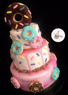 Last weekend my sister threw the cutest baby shower for me! The theme was donuts and diapers. 1st Birthday Party For Girls, Donut Birthday Parties, Girl Birthday Themes, Donut Party, First Birthday Cakes, Birthday Celebration, 10th Birthday, Birthday Ideas, Cute Cakes