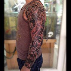 #Tattoo #Koi #Sleeve #tattoos #inkt #japanese tattoo #koisleeve #black&white #tattoo