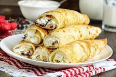 Crespelle al radicchio e ricotta, la ricetta facile Ricotta, Pancake Muffins, Pancakes, Griddle Cakes, Crepe Cake, Mille Crepe, What You Eat, Flan, Finger Foods