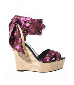 GUCCI Carolina raffia & silk wedge sandals love it with the wallet its haven.....