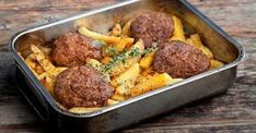 Fluffy burger with potatoes in the oven Recipe Argiro. Cookbook Recipes, Meat Recipes, Real Food Recipes, Cooking Recipes, Healthy Recipes, Fun Cooking, Pastry Cook, Greek Cooking, Gastronomia