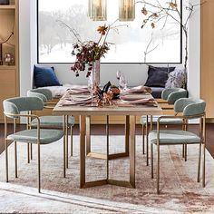 Take a look at this wonderful mixed dining room chair - what an innovative version Upholstered Dining Chairs, Dining Chair Set, Dining Room Chairs, Dining Room Sets, Arm Chairs, Dining Tables, Plywood Furniture, New Furniture, Louis Xvi
