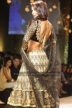 Malaika Arora Khan- designer Vikram Phadnis's