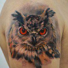 Schulter Realistische Eulen Tattoo von Yomico Art