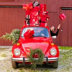 VW #Christmas Beetle with gifts red