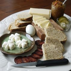 Irish Ploughman's Lunch. Site has info on making ploughman's lunch - Recipe On Site