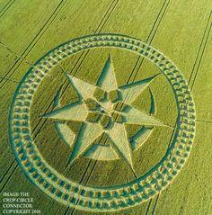 Nouveau croup circle le 8 juillet 2016 à  Stonehenge