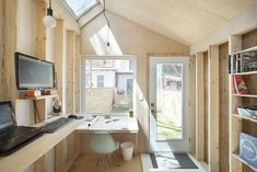 This Architect's Tiny Studio Is the Ultimate Backyard Workspace - Photo 8 of 9 -