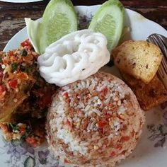 Indonesian Cuisine, Indonesian Recipes, Malay Food, Feeling Hungry, Asian Recipes, Roast, Food And Drink, Snacks, Dishes