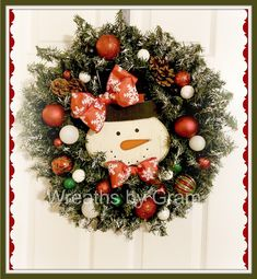 Winter Wreaths for Front Door; Christmas Mantel Decor; Snowman Wreath; Christmas Wreath; snowman aesthetic; Snowman Decorations; Gifts for Her; Winter Wreath; Farmhouse winter wreath; gift for mom; winter front door hanger; winter door decorations for home; winter door decor; snowman decorations; mantel decor; entryway decor; farmhouse style; winter porch decor #snowmandecorations #giftformom #snowmanwreath #winterwreath #snowmanwreath #flocked #winterwreath #christmasdecorideas