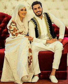#TraditionalAlgerianOutfits #TraditionalAlgerianDresses #AlgerianFashion #Tradition #Fashion #Mode #HauteCouture #Costume #ModeAlgerienne #Algeria #Algerie #Djazair #dzair #dz الجزائر# #unesco #patrimoine #Culture #Arab #3arab #Arabe #Amazigh #Berbere #Imazighen #World #burnous #karakou #badroun #blouza #chedda #robekabyle #fergani #tasdira #caftanalgerien #fetla #gold #or #bijoux #jewelry #الملحفة_الشاوية + #الحلي_الجزائري التقليدي #اقوال_جزائرية #محرمة_الفتول_التقليدية_الجزائرية…