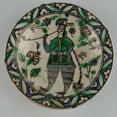 Underglaze-painted fritware dish  Iznik, Turkey  17th century AD / 11th century AH