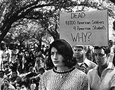 15 ottobre 1969. 36 milioni di americani sfilano nelle principali città degli Usa contro l'intervento in Vietnam