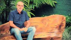 em conversa com a bamboo, o designer hugo frança fala sobre o início de sua carreira, em trancoso, onde entrou em contato com os índios pataxós e seu trabalho com os centenários pequis para a fabricação de canoas. lá, frança descobriu a vocação na criação de mobiliários escultóricos a partir de resíduos florestais e de lenho em estado natural. ele conta também sobre o processo de criação e confecção das peças em seu atelier, sobre as particularidades das madeiras e o mobiliário público que é…