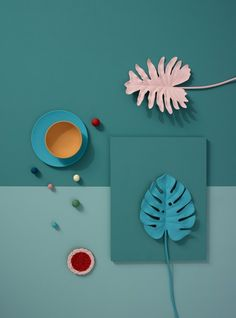 In this scheme the blue/green colour at the top seems to dominate the pink, orange and blue colours. This colour scheme might be more suitable for a summer colour palette. Colour Schemes, Color Trends, Colour Palettes, Foto Still, Illustration, Design Blog, Set Design, Design Art, Design Ideas