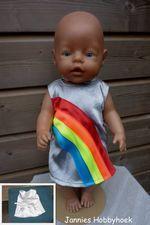 BabyBorn 43cm, K3 regenboogjurkje de luxe, van zilveren satijn met satijnen bandjes. Eigen ontwerp. Nappi.nl