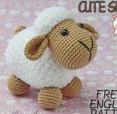 Crochet Doll Pattern, Crochet Dolls, Crochet Patterns, Crochet Mouse, Free Crochet, Cute Sheep, Amigurumi Doll, Crochet Animals, Beautiful Crochet