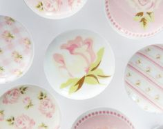 Pink Rose Knobs, Cream and Pink Floral Pulls, Flower Dresser Handles, Shabby Rose Knobs - 1 Inches Shabby Chic Crafts, Shabby Chic Pink, Shabby Chic Decor, Shabby Chic Drawer Knobs, Manualidades Shabby Chic, Cute Furniture, Furniture Ideas, Dresser Handles, Pastel Floral