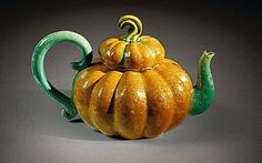 Kate Malone's appreciation for natural forms and her use of brightly coloured glazes make her one of my favorite ceramicists. Her work is strongly sculptural and drawn from nature, celebratin… Pottery Teapots, Ceramic Teapots, Ceramic Pottery, Slab Pottery, Ceramic Bowls, Ceramics Projects, Chocolate Pots, Fruit And Veg, Natural Forms