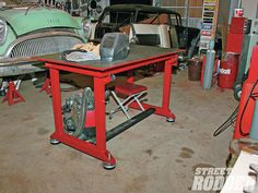 welding table plans or ideas Welding Bench, Welding Cart, Welding Tips, Metal Welding, Welding Projects, Welding Ideas, Metal Projects, Table Frame, Diy Solar