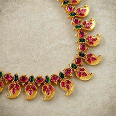 How much do you think this costs? Ruby Necklaces How much do you think this costs? Ruby Jewelry, India Jewelry, Temple Jewellery, Bridal Jewelry, Beaded Jewelry, Gold Jewelry, Gold Necklace, Mango Necklace, Gold Earrings