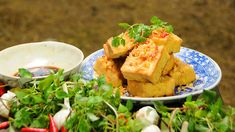 Luke Nguyen Crisp silken tofu crusted in lemongrass (dau hu xa ot) recipe : SBS Food Chilli Recipes, Tofu Recipes, Asian Recipes, New Recipes, Vegetarian Recipes, Cooking Recipes, Favorite Recipes, Recipies, Real Simple Recipes