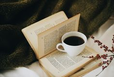 foreverlostinliterature:   (via Search books... / Tea, Coffee, and Books