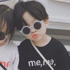 Cute Baby Meme, Cute Baby Twins, Cute Asian Babies, Korean Babies, Asian Kids, Cute Little Baby, Little Babies, Baby Baby, Ulzzang Kids