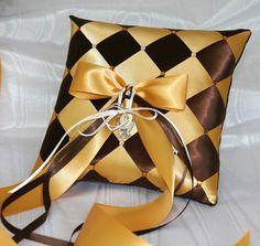 Мобильный LiveInternet Подушки плетенные из шелковых лент | alenka46 - Дневник alenka46 |