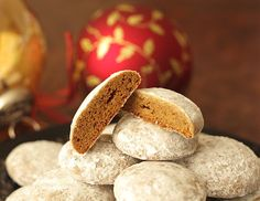 Pfeffernusse Recipe is delicious, tasteful and yammi dish. Pfeffernusse Recipe can be made in less than few minutes with the help of very few ingredients German Christmas Cookies, German Cookies, Christmas Baking, Christmas Biscuits, Christmas Goodies, Homemade Christmas, Christmas Recipes, Mélanges Pour Cookies, Spice Cookies